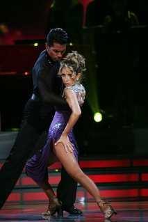 Geraldine Bazan en Mira quien baila